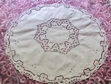 Ancienne nappe à guéridon ronde diam 82 cm, coton blanc, guipure  (n°1)