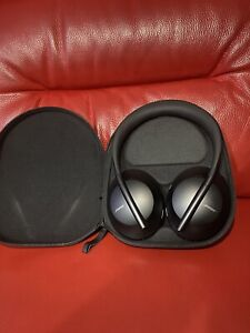 Bose NC / Noise Cancelling 700 Wireless Headphones In Mint Condition
