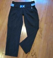 LULULEMON BELT IT OUT crops in black with reversible BLUE PRINT belt size 8