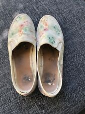 Well Worn Shoes / Pumps Ladies Size 8