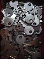 Vintage Sewing Machine Case Key, Fits Singer Featherweight 221 / 222 & Luggage