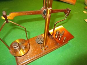 DE GRAVE SHORT & CO LTD VINTAGE GPO POST OFFICE SCALES WITH WEIGHTS