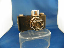 VINTAGE FALCON DELUXE MINIATURE BAKELITE CAMERA USA 50mm Graf Lens. 127 Film