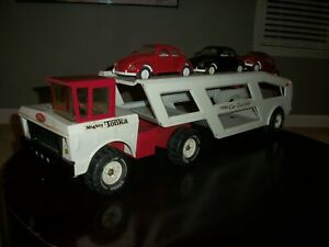 tonka mighty car carrier first year with volkswagons early 1970s red and white.