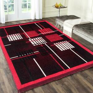 Geometric Traditional Rug Of Chenille, 3 x 5 Ft Of Red And Black For Home Decor