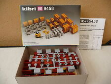 KIBRI  HO 9458  ACCESSOIRES : bidons, palettes conteneurs    état neuf en boite