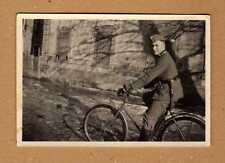 altes Foto II.Weltkrieg Wehrmacht Soldat mit Fahrrad