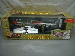 P- 51D MUSTANG 1/18 ULTIMATE SOLDIER 21st CENTURY TOYS