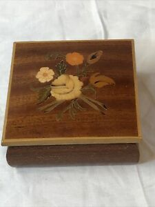 Vintage Handcrafted Wooden Trinkets Jewelry Box With Hinged Flowers Inlay Lid PO