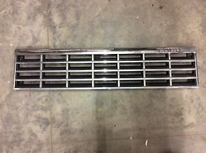 1981-1985 Ford ESCORT 2 DOOR CHROME GRILLE GRILL NICE 81 82 83 84 85