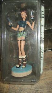 Lara croft-Statuette l ange des ténèbres- Strahov Complex-Neuve