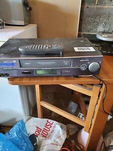Hitachi Fx960e Vhs Video Recorder with remote