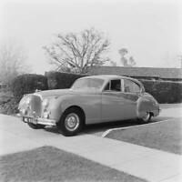 Jaguar MkVIII 1957 model OLD CAR ROAD TEST PHOTO 8