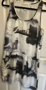 Country Road Ladies BLACK WHITE Halter A Line Dress 2021 Size 8 Pockets Silk
