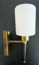 Applique Vintage 1950  ARLUS ou dlg forme torchère laiton métal  opaline  striée