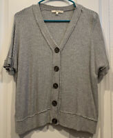 NWOT Andree by Unit Womens Gray V-Neck Short Sleeve Waffle Boutique Top