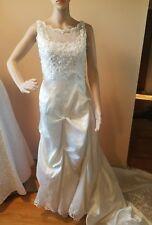 Unbranded wedding dress size 8 lace, beading sequence sleeveless long train
