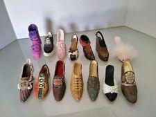 (4804) Lot Of 14 Miniature Ceramic Shoes