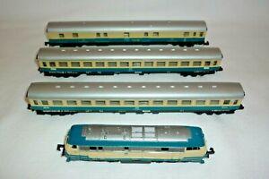 Arnold - N Gauge - 2053 - Diesel Locomotive - DB 218 218-6 With 3 Car (18.EI-62)