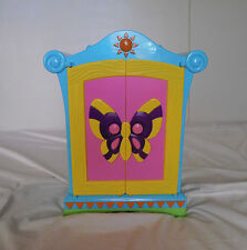 Dora The Explorer Doll Wardrobe Armoire Closet  8 Hangers - 2004 Mattel, Inc. 3+