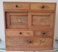 BEAUTIFUL ANTIQUE JAPANESE APPRENTICE MINIATURE CHEST OF DRAWERS INLAID DETAIL