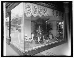Erlebacher window,1222 F. Street,NW,Washington,DC,District of Columbia,c19 7947