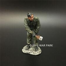 WAR PARK MINIATURES 1:30 WW2 GERMAN KH039 PANZERGRENADIER TANK CREW PAINTING