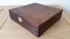WOODEN BOX 23x23x6cm IN DARK BROWN COLOR