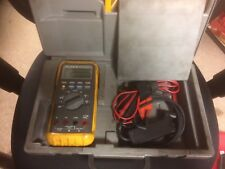 FLUKE 88 AUTOMOTIVE MULTIMETER WITH LEADS, MANUAL AND HARD CASE