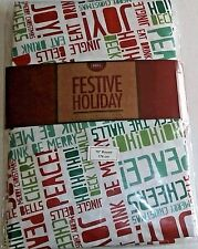 "CHRISTMAS  VINYL TABLECLOTH 70"" Round  FESTIVE HOLIDAY SAYINGS  Seats 8"