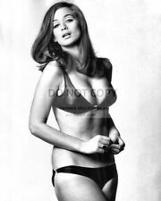 VALERIE LEON ENGLISH ACTRESS PIN UP - 8X10 PUBLICITY PHOTO (DA834)