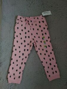 New Girls M&S tracksuit bottoms2-3 Years