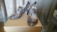 Michael Kors Rochelle Open Toy  Leather Size  9! Grey  color!
