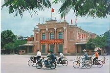 BF18763 bikes city theater nha hat thanh pho   vietnam front/back image