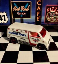🏁 Hot Wheels 2007 Custom '77 Dodge Van - Trackside Ambulance 🏁