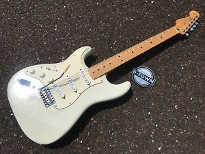 2008 Fender Lefty righty Stratocaster White hendrix duncan pickups NO RESERVE