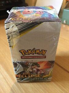 Display Pokemon SL 12 Scelles Neuve Et FR Eclipse Cosmique 18 Boosters.
