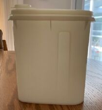 Vintage CANISTER Tupperware 1 Quart with Pour Seal  792