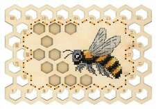 """Embroidery on a wooden base kit Sliver by MP Studio O-025 - Organizer """"Bee"""""""