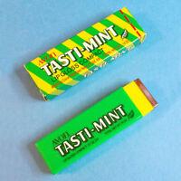 Vtg 1970s Avon TASTI-MINT .14 oz Chewing Gum Shaped LIP GLOSS COMPACT w Box NOS