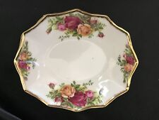Royal Albert-Old Country Roses-Oval Dish/Bowl-Nuts/ CandyGold Trim-Panel Sides