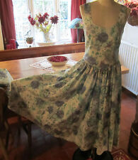 VINTAGE LAURA ASHLEY COUNTRY ROSE DRESS & JACKET. EXCELLENT CONDITION. SIZE 10.