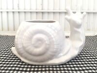 VINTAGE SNAIL PLANTER White Glaze/CALIFORNIA POTTERY 7005