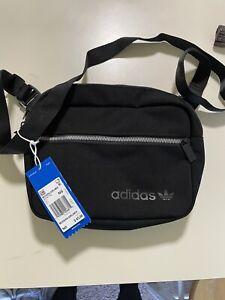 adidas Men's Originals Modern Airliner Bag GD4792