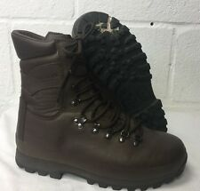 ALTBERG BROWN LEATHER COMBAT DEFENDER BOOTS - Size: 9 WIDE , British Military