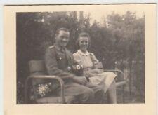 (F900) Orig. Foto Wehrmacht-Soldat mit Frau in Celle 1944