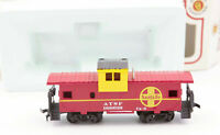 Vintage HO Scale Bachmann ATSF Atchison Topeka & Santa Fe Wide Vision Caboose