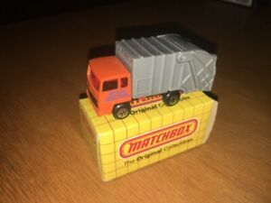 1:87 SCALE MATCHBOX MB36 REFUSE TRUCK WITH BOX !