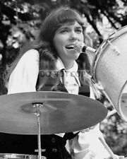 KAREN CARPENTER SINGER MUSICIAN - 8X10 PUBLICITY PHOTO (FB-090)