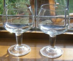 """LARGE PAIR ARCOROC CRYSTAL RED WINE GLASSES 6 1/2"""" X 3 3/8"""" ARCOROC ON BASE WGUC"""